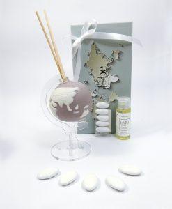 ptofumatore globo porcellana lilla con essenza e scatola confezionata con nastro bianco