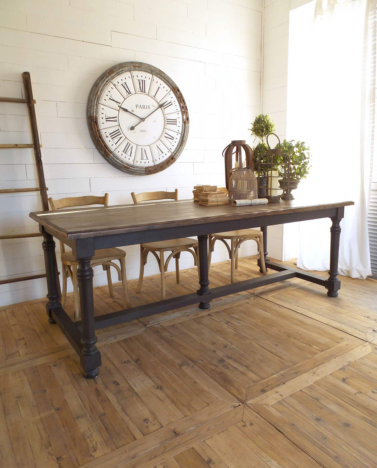 https://mobiliastore.it/wp-content/uploads/2017/12/tavolo-in-legno-di-pino-stile-country.jpg