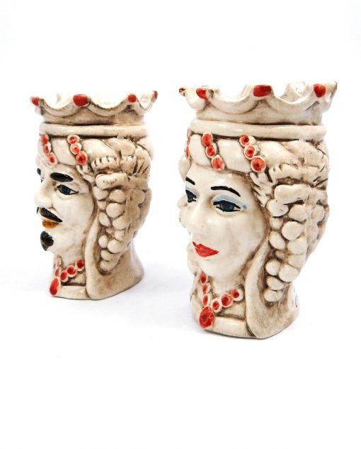 teste di moro con corona e uva in ceramica di caltagirone rossa