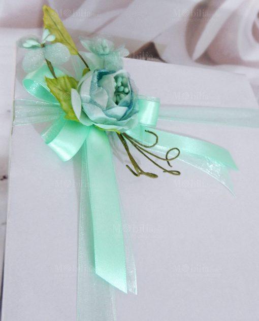 Bomboniera confezionata scatola con fiore tiffany