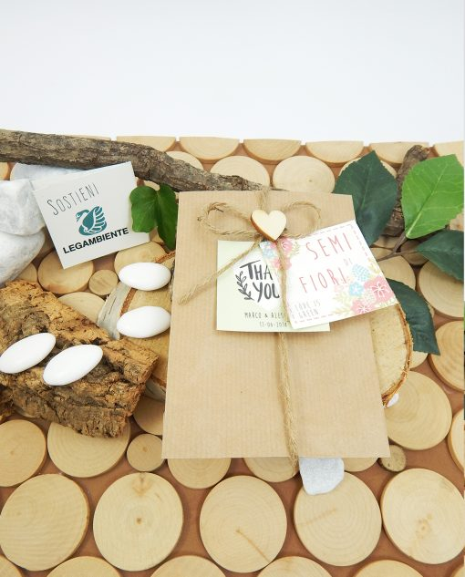 sacchetto con semi cordoncino e cuore legno