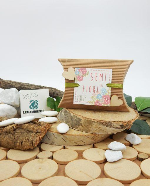 scatolina con semi di fiori e cuori legno