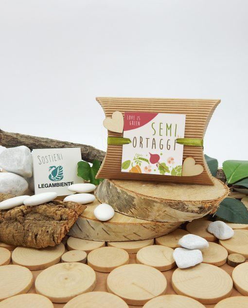 scatolina con semi di ortaggi e cuori legno