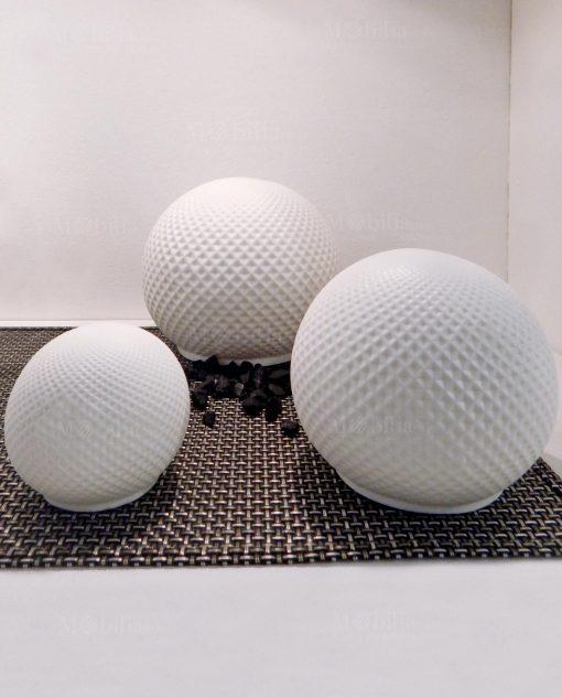 lampade sfere porcellana bianca con rombi e luce led