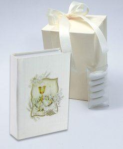 bomboniera vangelo bianco con calice oro con scatola panna