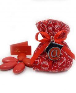 bomboniera ciondolo chiocciola con tocco argento smaltato su sacchettino rosso tabor