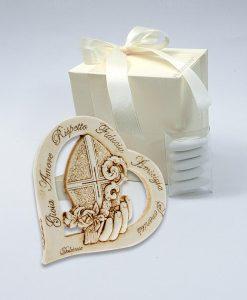 bomboniera-icona-cuore-con-cappello-papale