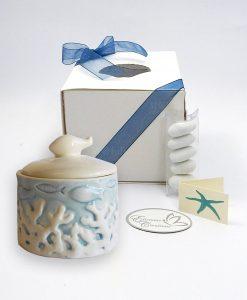 scatolina ceramica azzurra con pesce e coralli in rilievo