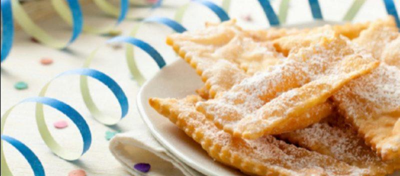 le chiacchiere dolce tipico di carnevale 1812281