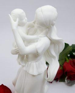 scultura maternità con bambino in porcellana e luce led morena