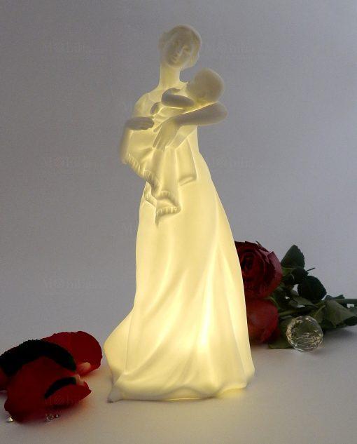 scultura maternità con luce led morena design