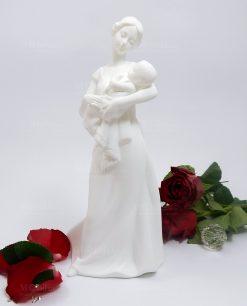 statuetta mamma con bambino in braccio porcellana morena design