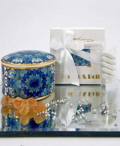 bomboniera scatolina in porcellana beatrice con gomma arabica baci milano