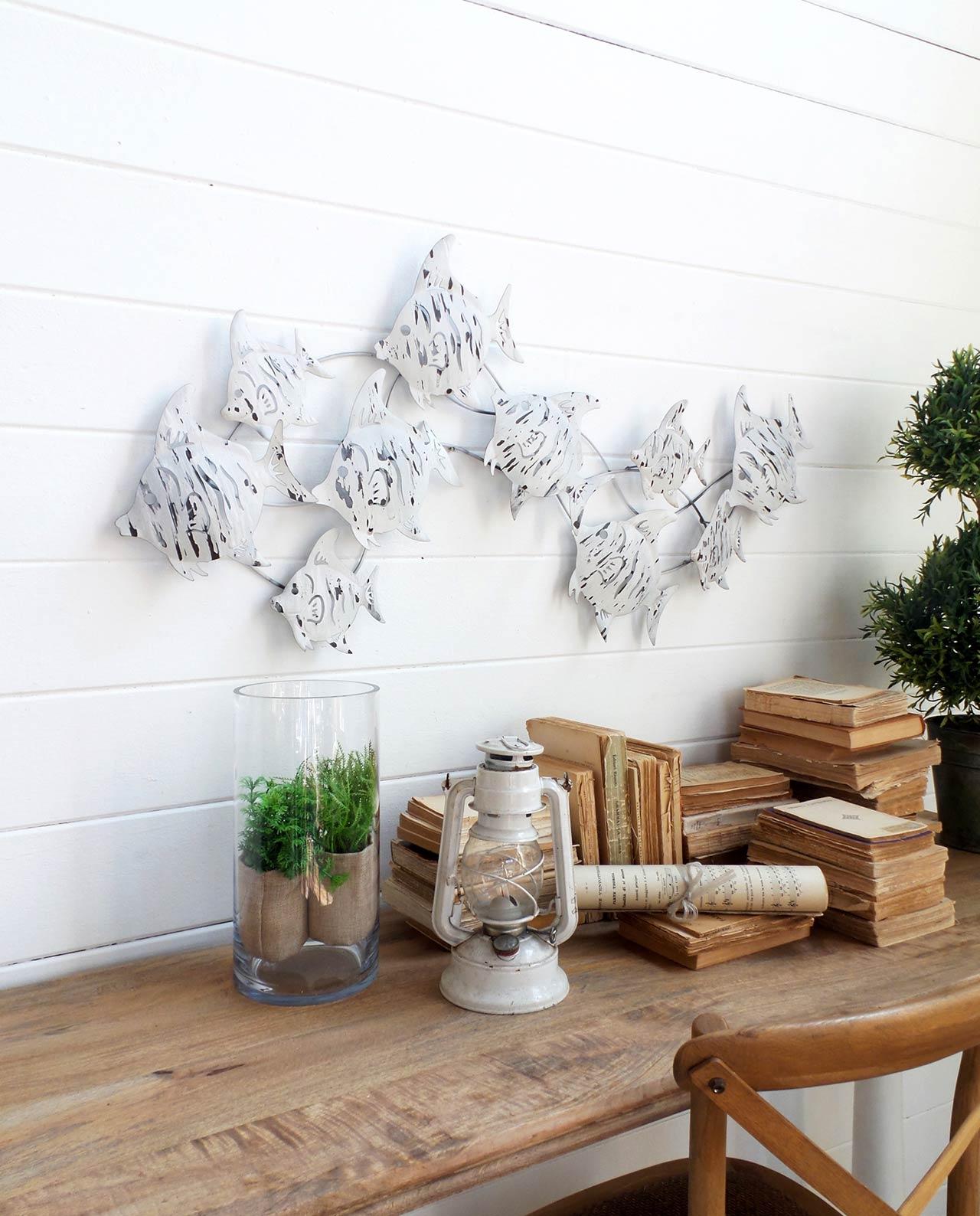 Pannello decorativo in metallo con pesci bianchi mobilia - Pannello decorativo design ...