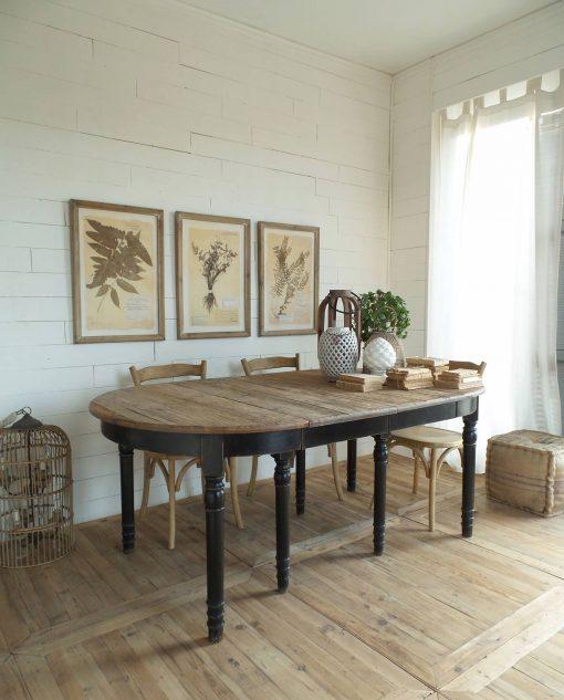 tavolo in legno nero e naturale