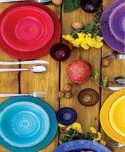Servizio piatti colorati villa deste