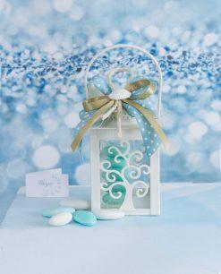 bomboniera lanterna albero della vita con nastro azzurro a pois e conchiglia naturale