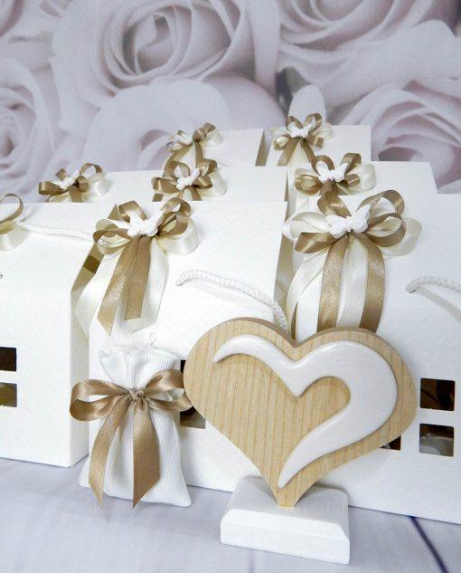 bomboniere cuore in legno naturale