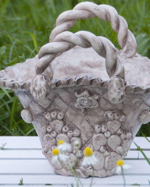 coffa siciliana in ceramica di caltagirone con fichi dindia e trinacria