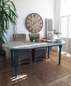 tavolo con prolunghe grigio e blu