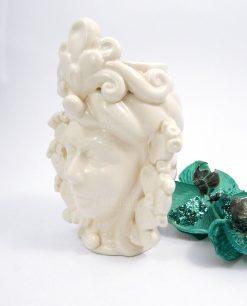 testa di moro con pale di fichi dindia ceramica bianca di caltagirone