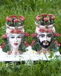 teste di moro ceramica artistica colorata di caltagirone con pale di fico dindia