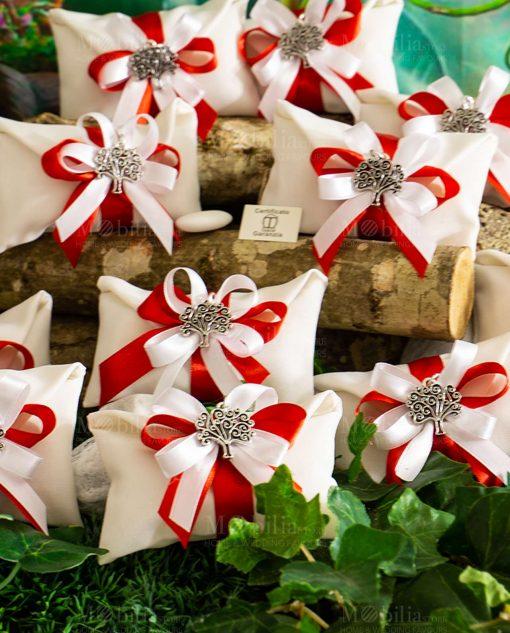 bomboniera ciondolo albero della vita microfusione placcato argento tabor su sacchetto bianco con fiocco bianco e rosso