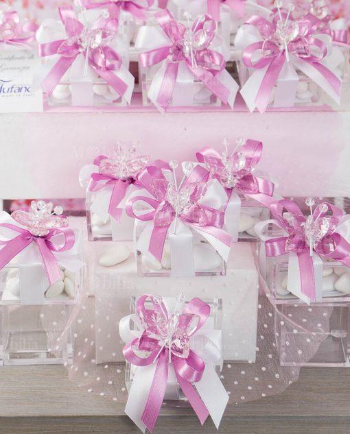bomboniera farfalla cristallo tufano su scatolina portaconfetti con nastro bianco e rosa