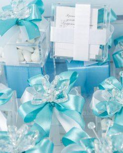 bomboniera farfalla tufano su scatolina trasparente e doppio fiocco bianco e tiffany