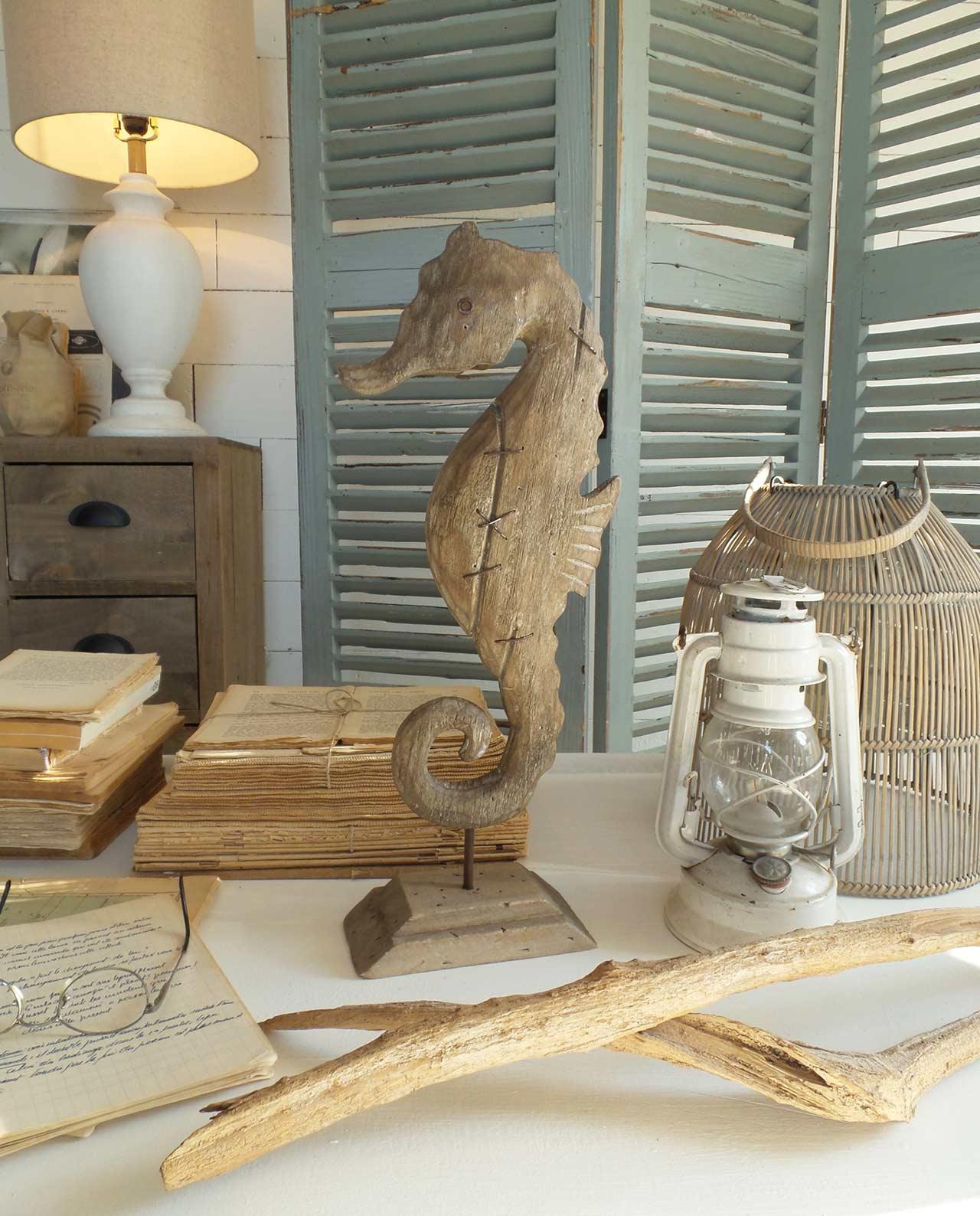 Soprammobile decorativo cavalluccio marino in legno for Mobilia recensioni