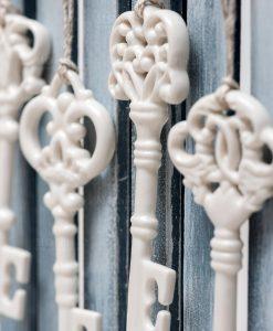chiavi in porcellana bianca per bomboniere