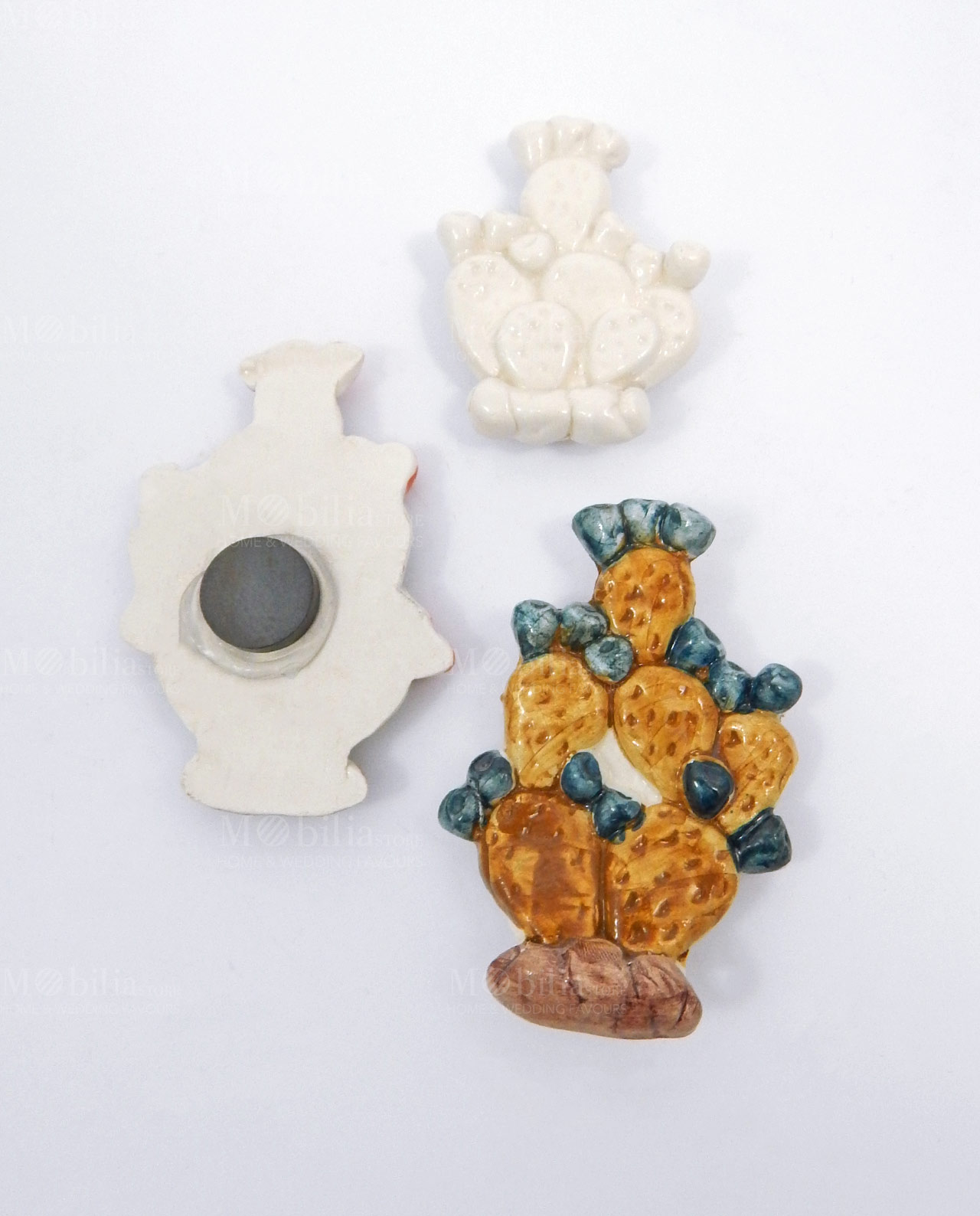 Bomboniera magnete fico d 39 india in ceramica artistica di for Il fico d india rural chic