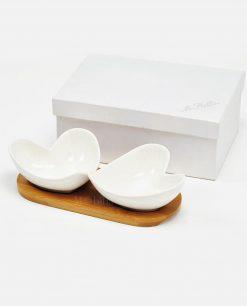 porta salse antipasti cuore in porcellana bianca con base in legno
