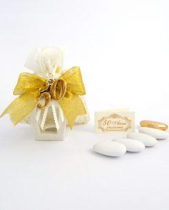 bomboniera 50 anni matrimonio lanterna in porcellana bianca con ciondolo