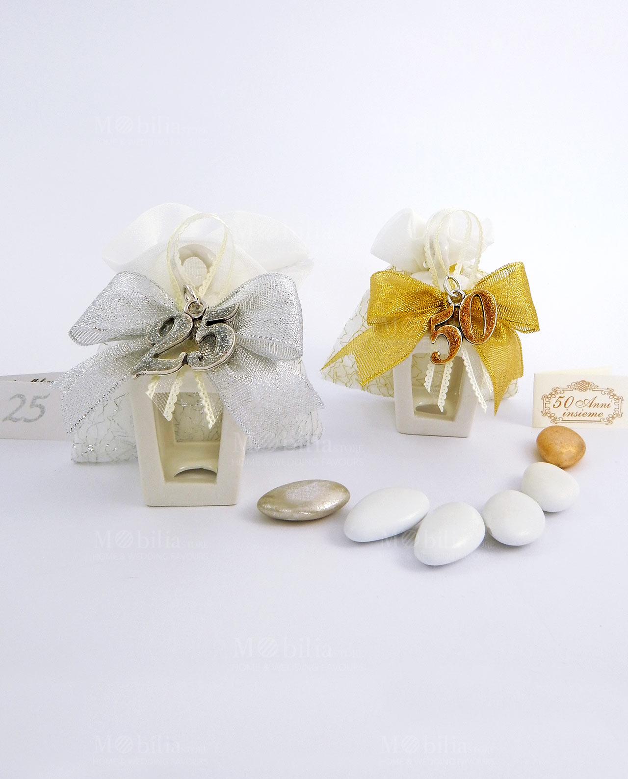 Bomboniere 50 Anniversario Matrimonio.Bomboniera Lanterna Porcellana Con Ciondolo 50 Anni Oro