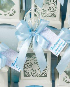bomboniera lanterna bianca portacandela con cordoncino e fiocco azzurro