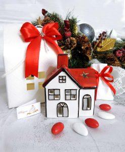 bomboniera natalizia lanterna casetta in ceramica rossa piccola