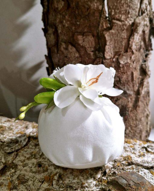 bomboniera sacchettino con fiore gardenia