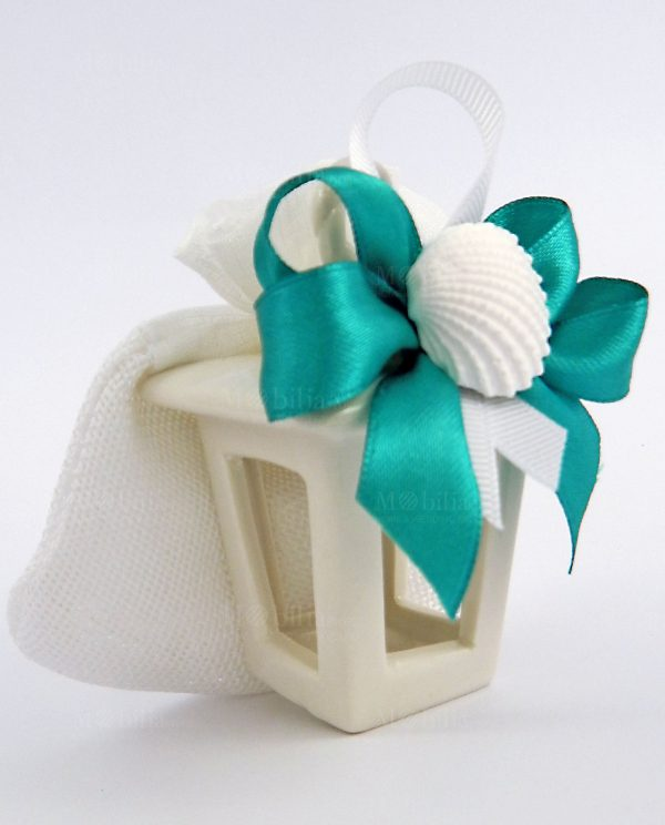 lanterna piccola ceramica con conchiglia e nastro azzurro
