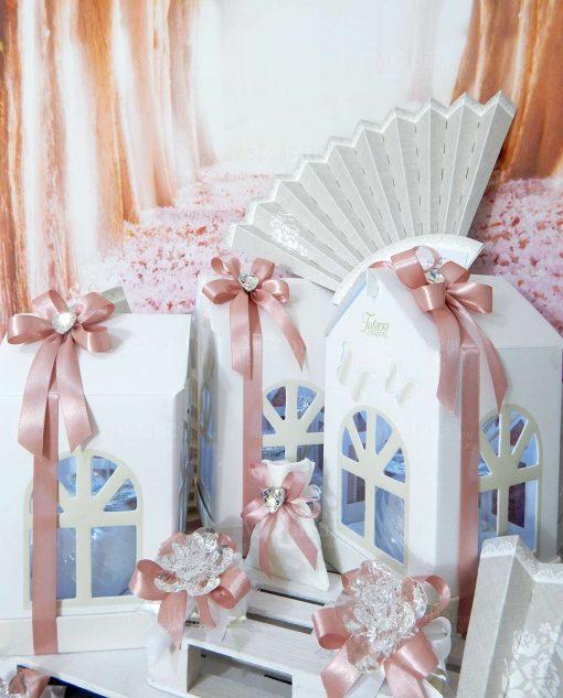 bomboniere matrimonio tema fiori e cuori