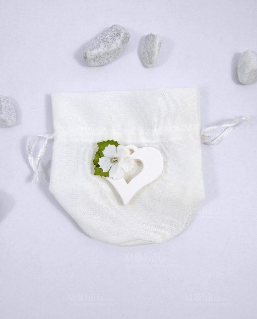 sacchettino in cotone bianco con cuore e fiore per bomboniere fai da te