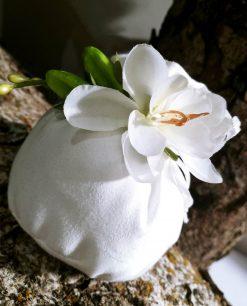 sacchettino in cotone bianco con fiore decorativo