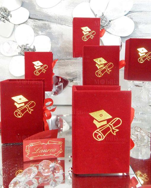 scatolina portaconfetti libro rosso con tocco e pergamena oro