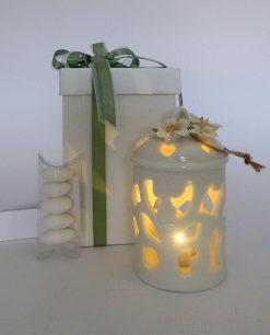 bomboniera lanterna in porcellana intagliata con luce led