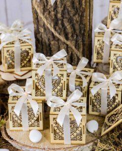 bomboniera scatolina legno portaconfetti decoro cuore e fiori