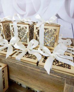 bomboniera scatolina portaconfetti legno cuore