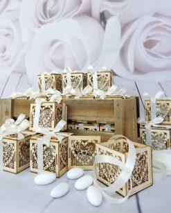 bomboniere scatole cuore legno intagliato
