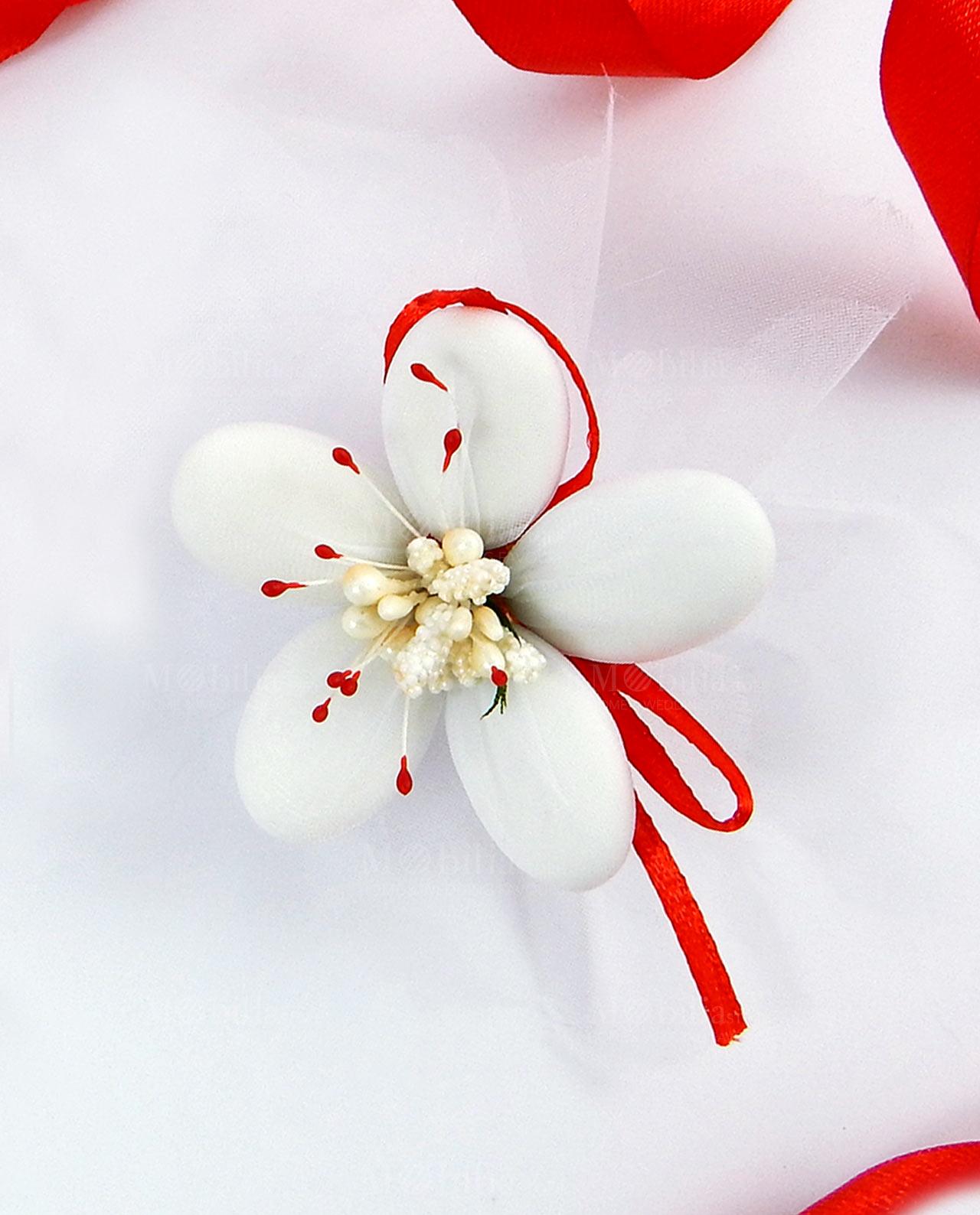 Fiore di confetti Sulmona in organza con pistilli rossi ...