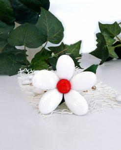 fiore con stelo di confetti bianchi di sulmona
