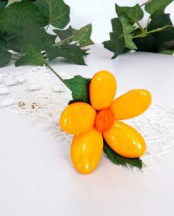 fiore di confetti arancioni di sulmona con stelo per bomboniere